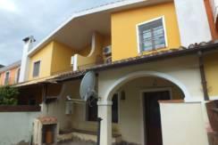 Rif 39 Casa con cortile