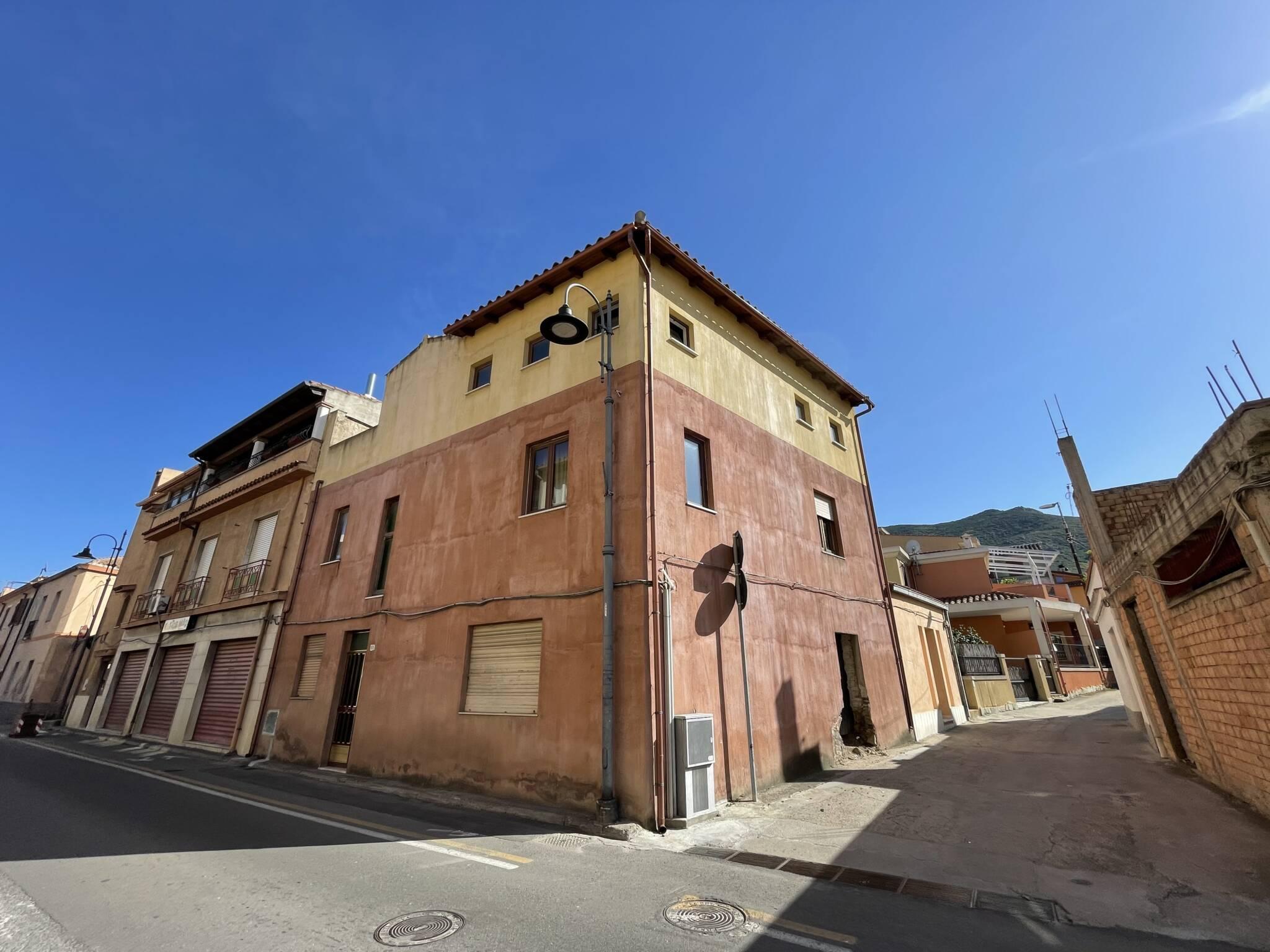 Vendesi Fabbricato per civile abitazione in via Roma