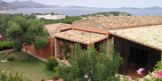 Villa prestigiosa in Località Le Collinette di Capo Boi
